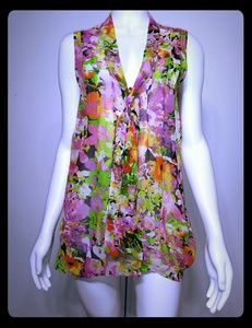 FOREVER 21 Bright Floral Asymmetric Top / (S)